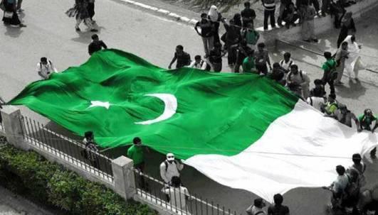 433978_2154381_Pak-flag_updates
